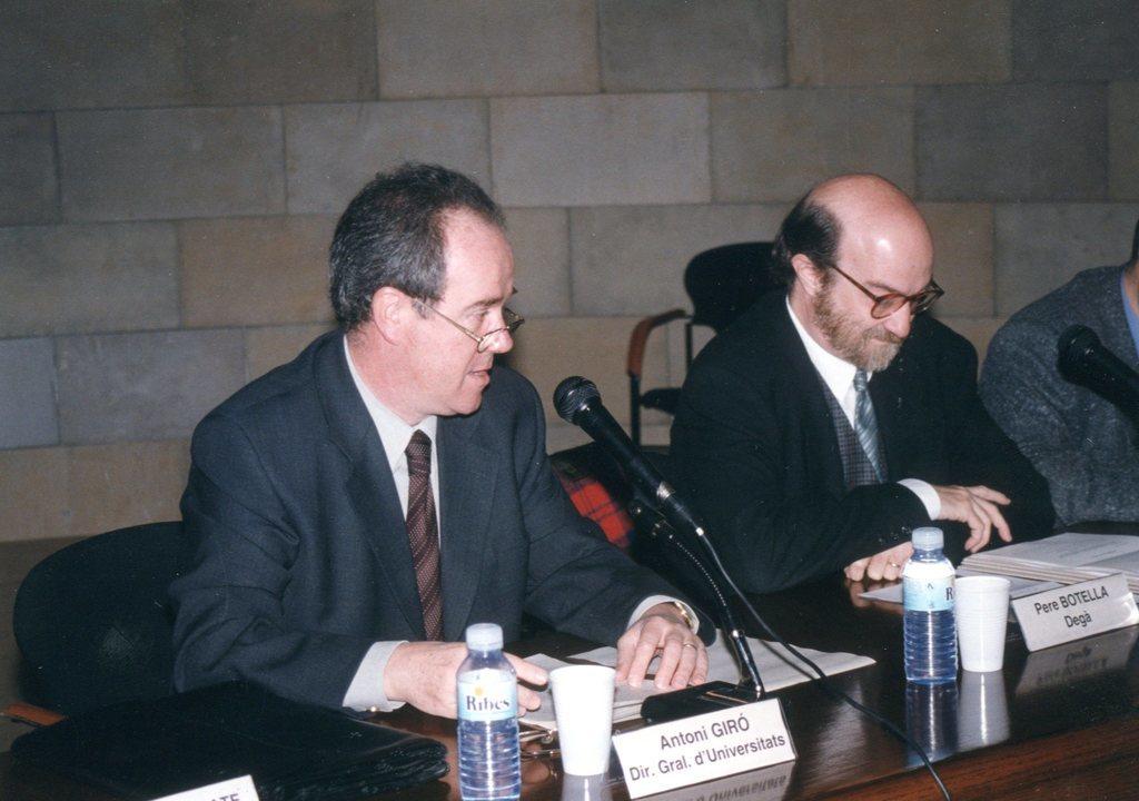 1997002.jpg