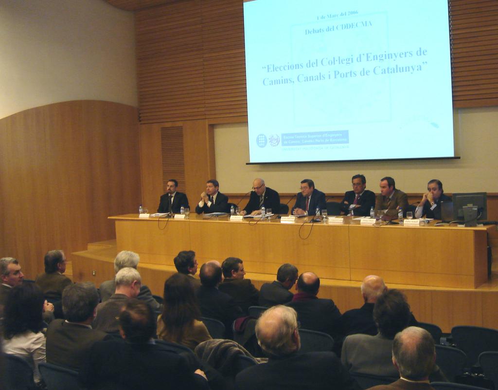 2006-03-01+CDDECMA+Debat+eleccions+Col.legi+Camins+(2).JPG