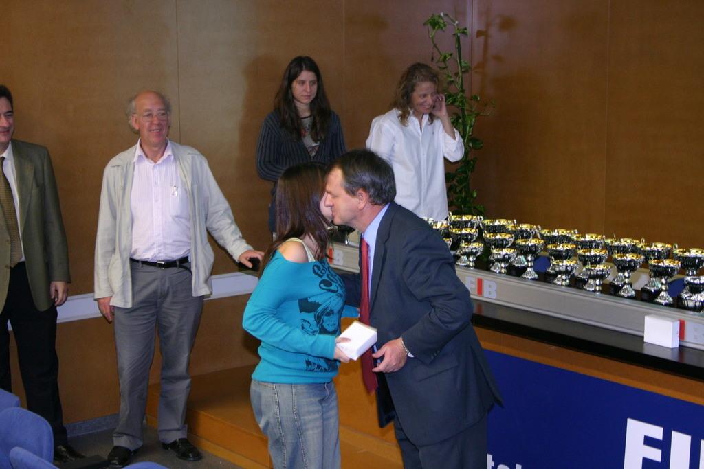 2004-10-27+Premis++Univers+Esports04+(11).JPG