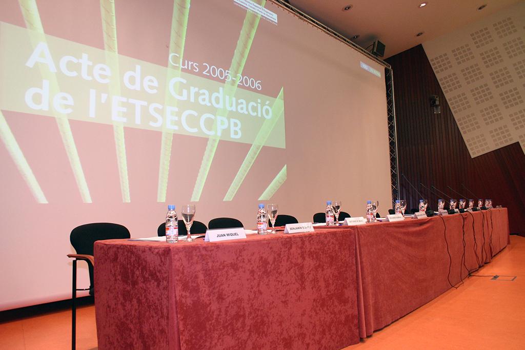 Acte+Graduació+2006-+(1).jpg