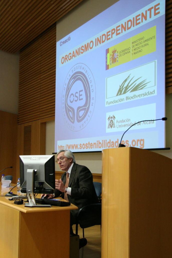 2008-11-13+Conferència+Càtedra+CELSA+(19).JPG