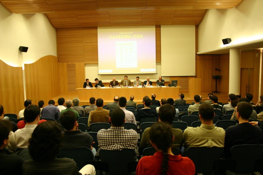 2004-04-23+Presentació+Càtedra+ITER+(1).JPG