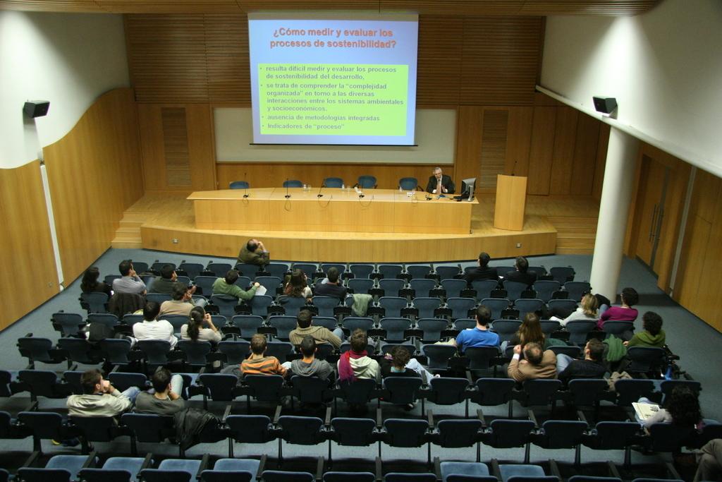 2008-11-13+Conferència+Càtedra+CELSA+(33).JPG