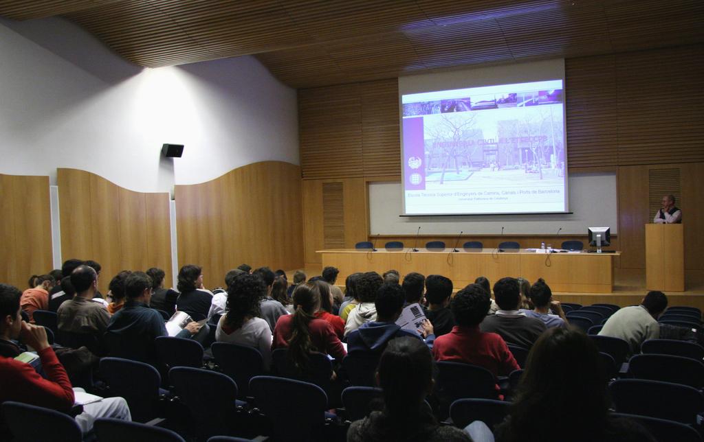 2007-11-14+Setmana+Ciència+-+Jornada+Portes+Obertes+(1).JPG