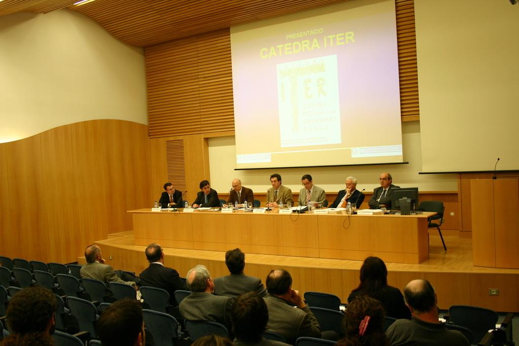 2004-04-23+Presentació+Càtedra+ITER+(8).JPG
