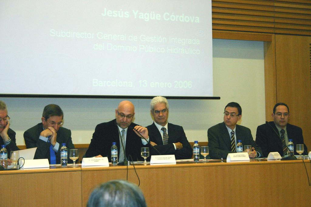 2006-01-13+40+Curs++Internacional+Hidrologia+subterranea-Inici+(5).JPG
