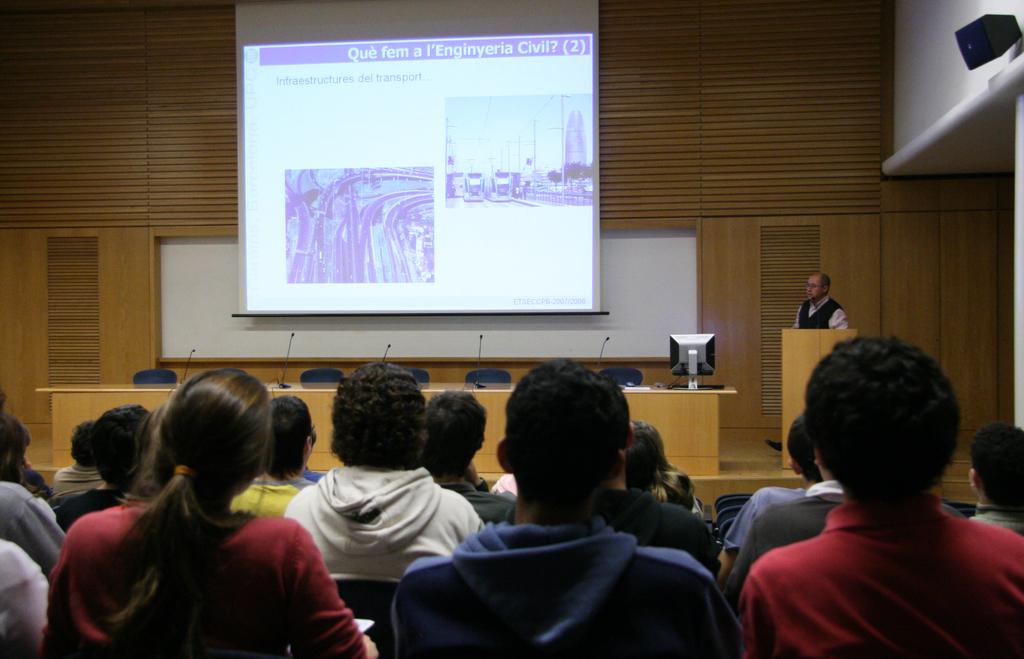 2007-11-14+Setmana+Ciència+-+Jornada+Portes+Obertes+(3).JPG