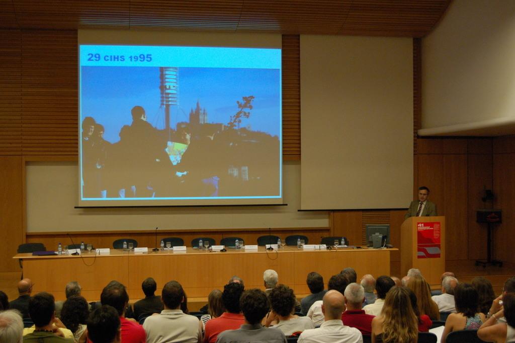 2006-07-13+40+Curs++Internacional+Hidrologia+subterranea-Cloenda+(39).JPG