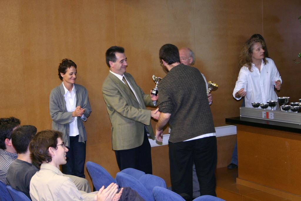 2004-10-27+Premis++Univers+Esports04+(7).JPG