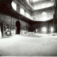 Vista interior del vestibul en construcció de la Escuela Oficial de Náutica de Barcelona