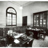 Secretaria de l'Escuela Oficial de Náutica de Bacelona. 1932.