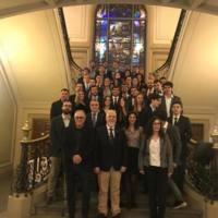 Estudiants graduats a l'escala noble de la Facultat de Nàutica de Barcelona. 2018