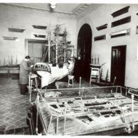 Restauració del navili San Carlos de la Escuela Oficial de Náutica.Barcelona. 1960