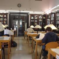 Interior de la biblioteca de la Facultat de Nàutica de Barcelona, amb estudiants. 2004